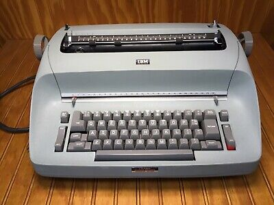 Ibm Selectric Typewriter In Beautiful Original Condition Rare To Find This Nice