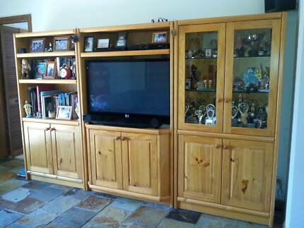 Solid pine entertainment unit Barden Ridge Sutherland Area Preview