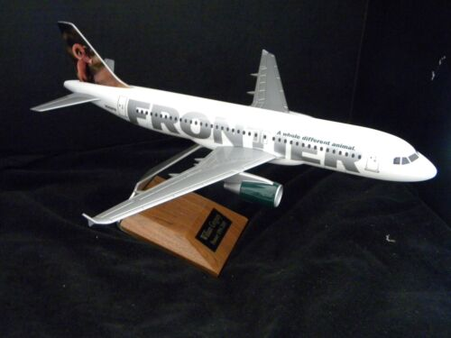 PacMin Frontier Airlines Airbus A320 1:100 model with bighorn sheep