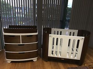 Bloom Luxo Cot / Chest of Draws with Change Table Taren Point Sutherland Area Preview
