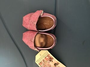 Toms Size 2: two pairs of shoes