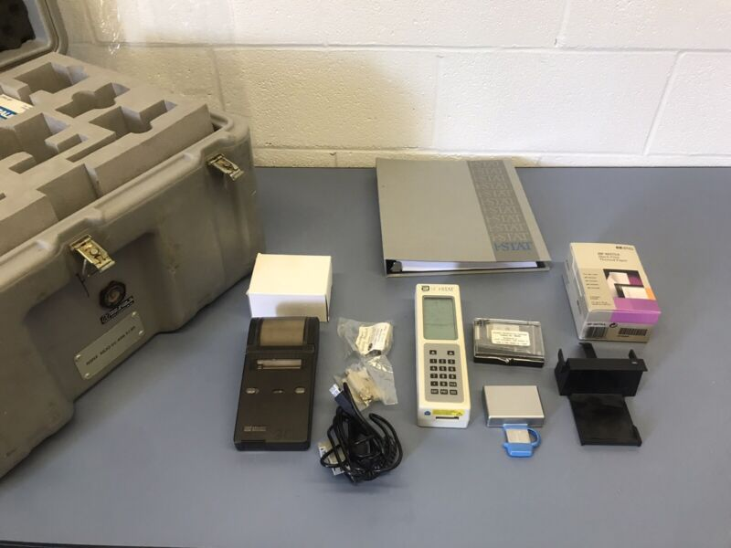Abbott I-Stat Portable Blood Hematology Analyzer With Accessories And Case