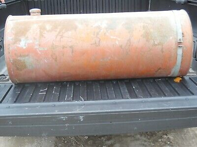 Allis Chalmers Original Ac Round Gas Tank With Cap- 40 Long 16 Acr Gleaner A