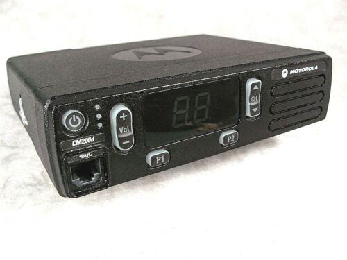 Motorola CM200d UHF Digital 40w Mobile Radio w/New Accessories