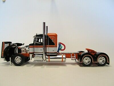 DCP FIRST GEAR 1/64 SCALE 359 PETERBILT SMALL BUNK, BLACK, ORANGE & WHITE 2
