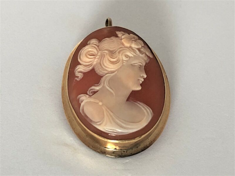 Finely Carved Italian Shell Cameo 14k Pendant Brooch
