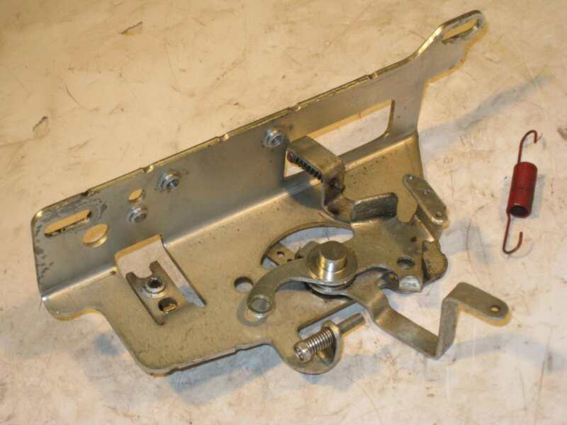 Kohler Courage 16HP OHV SV480 Ariens Throttle speed control bracket  20 536 06-S