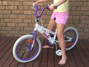 Girls 16 inch bike Panorama Mitcham Area Preview