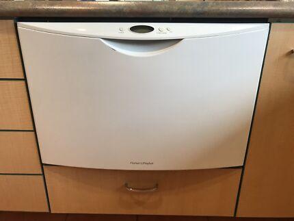 Dishwasher & Stainless Steel Sink