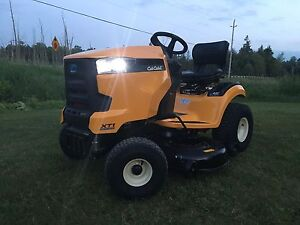 Brand New Cub Cadet Lawn Tractors and Zero Turns!0% Financing!!!