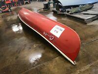 16' Frontiersman Fiberglass Canoe w/ Paddles   T1282784