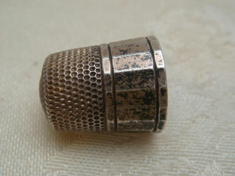 THIMBLE OT STERLING SILVER 925 ANTIQUE VINTAGE PETINA SEWING ACCESSORY