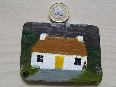HAND PAINTED COTTAGE ON WELSH SLATE FRIDGE MAGNET, SMALL SIZE.