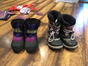 Bottes Sorel, bottes de pluies, soulier sport pour fille 2 ans