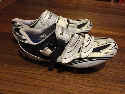 Shimano cycling shoes Roselands Canterbury Area Preview