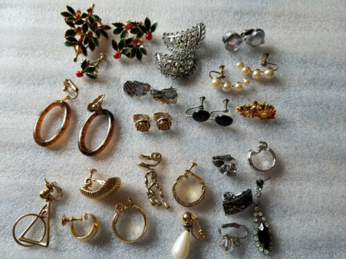 VINTAGE MIXED LOT COSTUME EARRINGS JEWELRY PAIRS & SINGLES EMMONS AVON TRIFARI