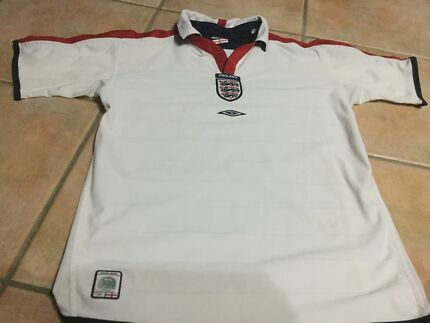 MANCHESTER UNITED AND ENGLAND FOOTBALL TOPS