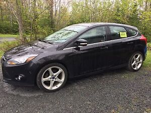 '12 Ford Focus Titanium - Loaded, Great Shape, Dealer Maintained