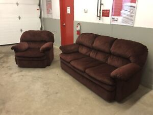 Living Room Set Couch & Chair *** Delivery Included ****