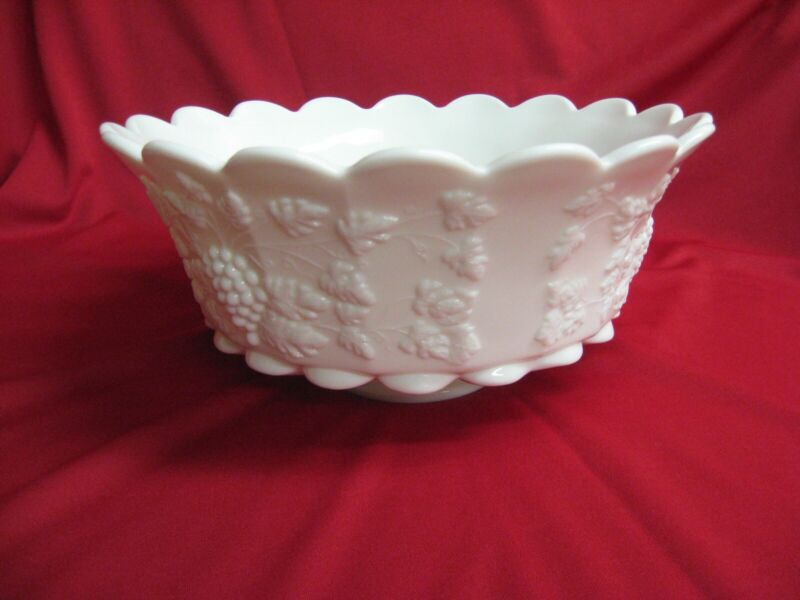 Westmoreland Paneled Grape Punch Bowl