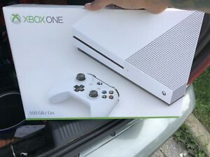 Like new Xbox one S 500gb white console with 2 games