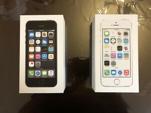 iPhone 5s 16gb Black and White - Unlocked
