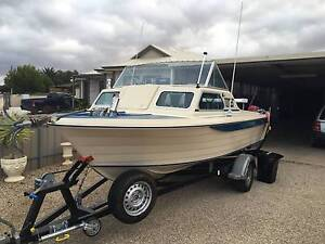 Nereus 18ft outboard Enfield Port Adelaide Area Preview