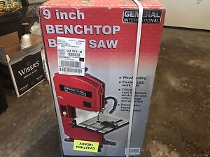 Bench top bandsaw. New in box.