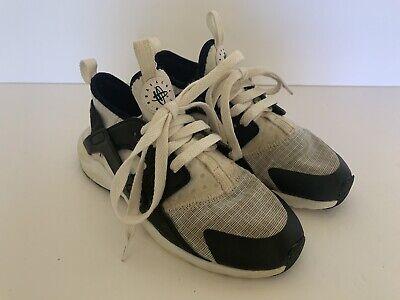 NIKE HURACHE Shoes Boys Size 1Y White W/Black 859593-101