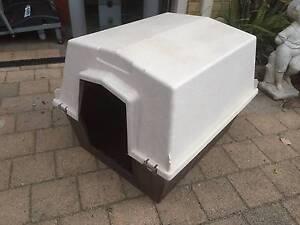 Medium Size Brown & Cream Plastic 2 Piece Dog Kennel Beckenham Gosnells Area Preview