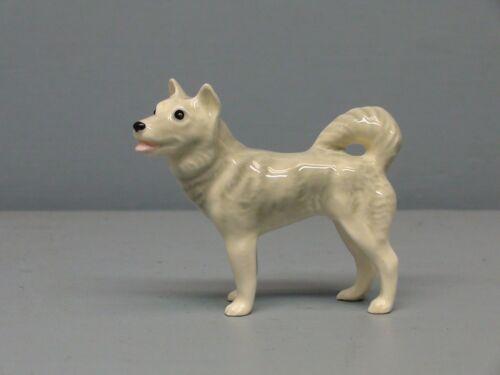 Retired Hagen Renaker Husky Dog