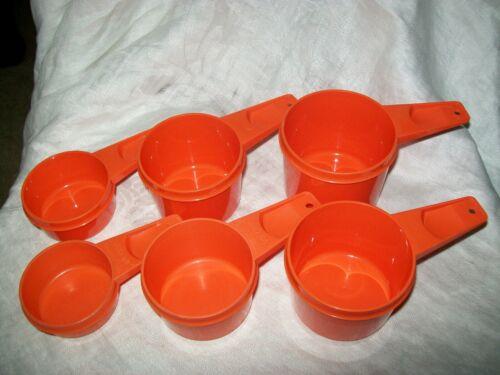 VINTAGE TUPPERWARE MEASURING CUPS ORANGE COMPLETE SET