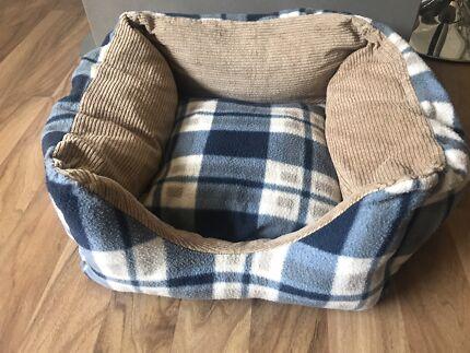 Dog bed (small/medium)