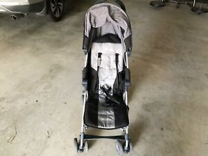 Light travel stroller Silver Cross with travel bag and rain cover