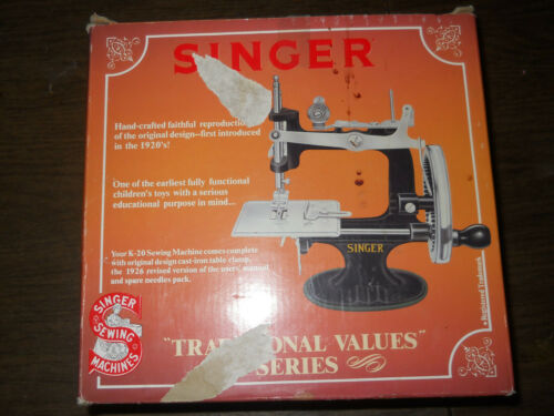 Singer K-20 antique mini sewing machine