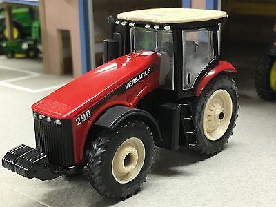 1/64 ERTL VERSATILE 290 4WD TRACTOR