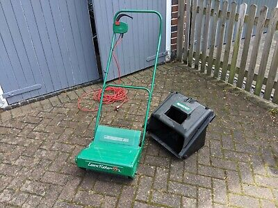 QUALCAST ELECTRIC LAWN RAKE / SCARIFIER EXCELLENT CONDITION