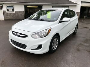 2012 Hyundai Accent GL Only 70,000KM NEW MVI