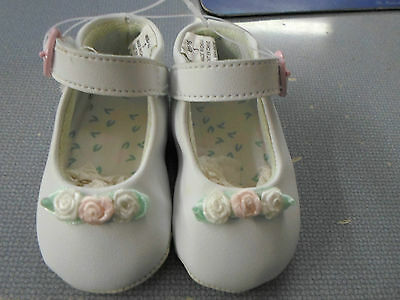 New Baby Sprockets Infants Girls Size 2 White Soft Sole Crib Shoes