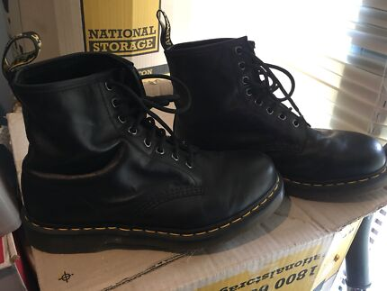 Dr Martin black leather size UK 8 close to brand new, sell or trade