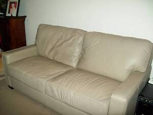 Sofa:  MORAN Leather 2.5 Seater Mirrabooka Stirling Area Preview