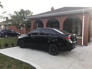 2010 Ford Focus SE Low Kms loaded.