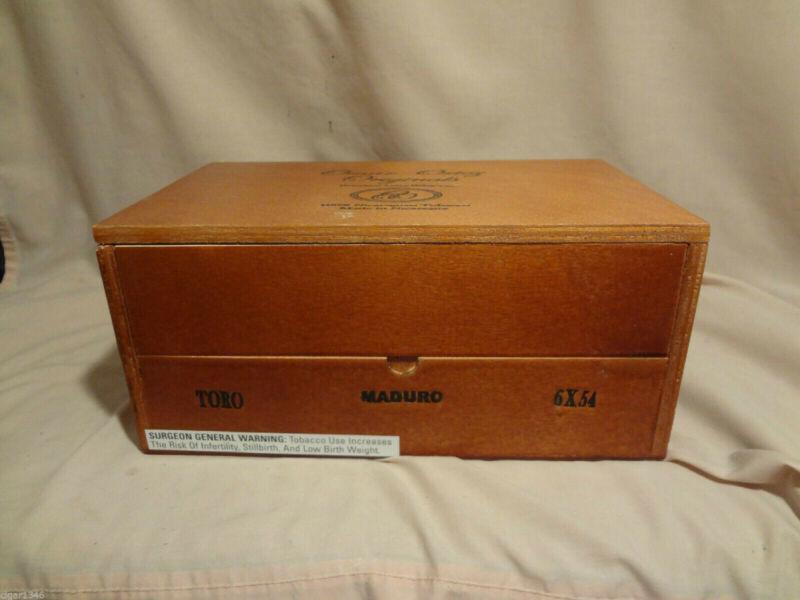 OMAR ORTEZ ORIGINALS TORO MADURO LARGE WOOD CIGAR BOX