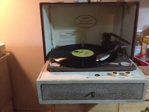 Suitcase record player