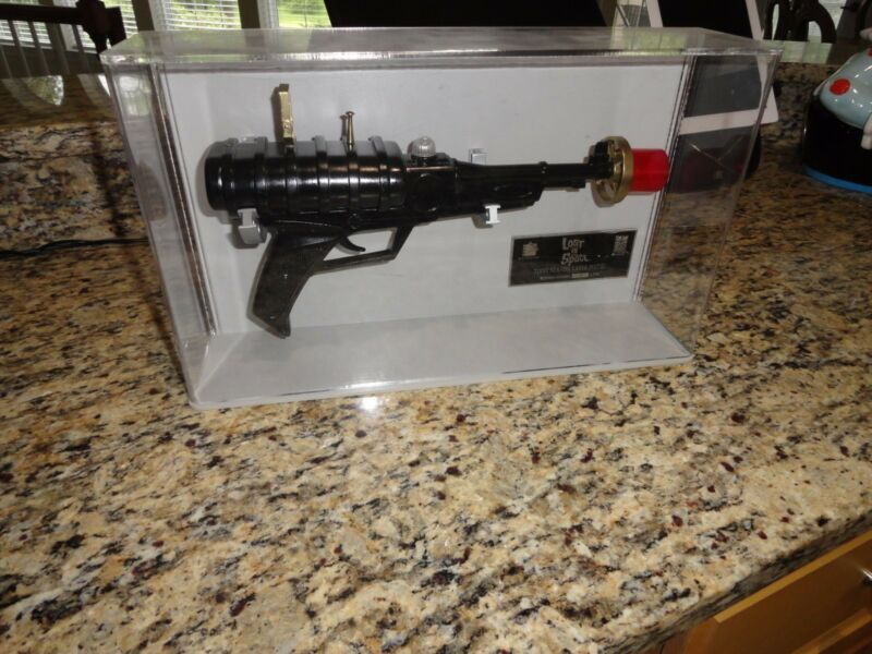 lost in space icons laser pistol   prop   replica