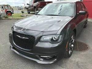 Chrysler 300S TOIT PANORAMIQUE - GPS - MAGS 20 POUCES -