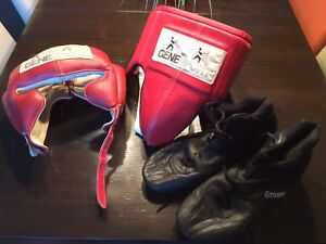 Casque, coquille Everlast et bottines Otomix de boxe