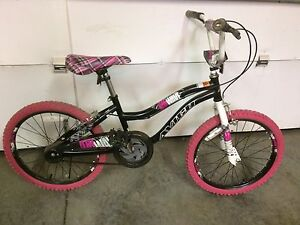Girls kids bike 20 inch tires $60 available 5 pm