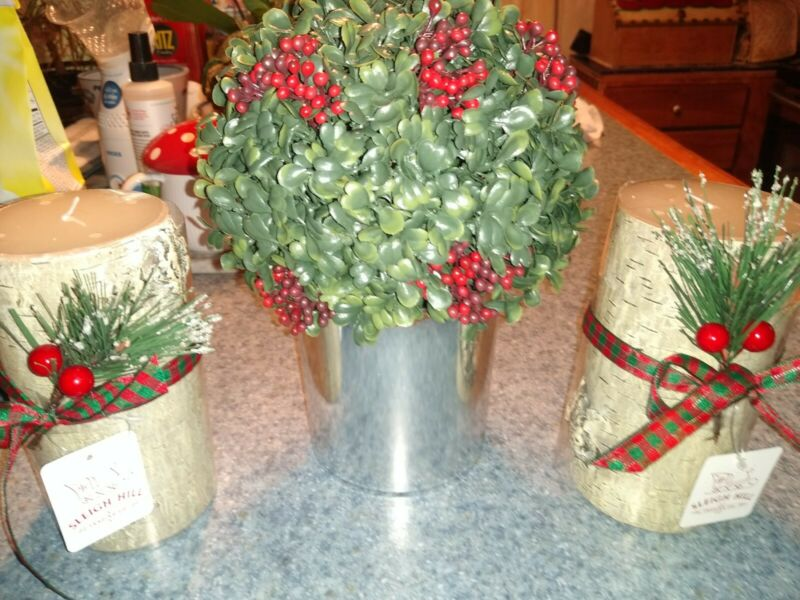BUY IT NOW PRICE & FINAL . NEW HOLIDAY FLOWER WITH 2 CANDLES