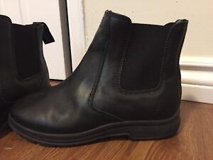 Softnoc Chelsea Boots